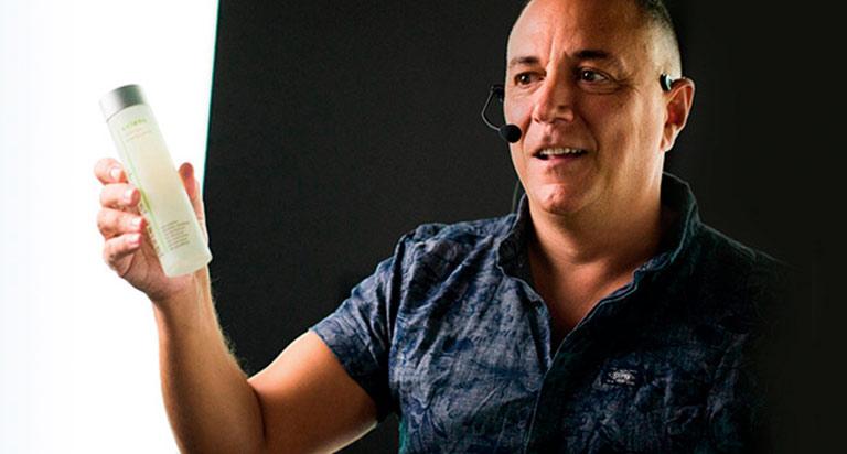 Javier Jauregi, Peluquería, formación de profesionales, maquillaje